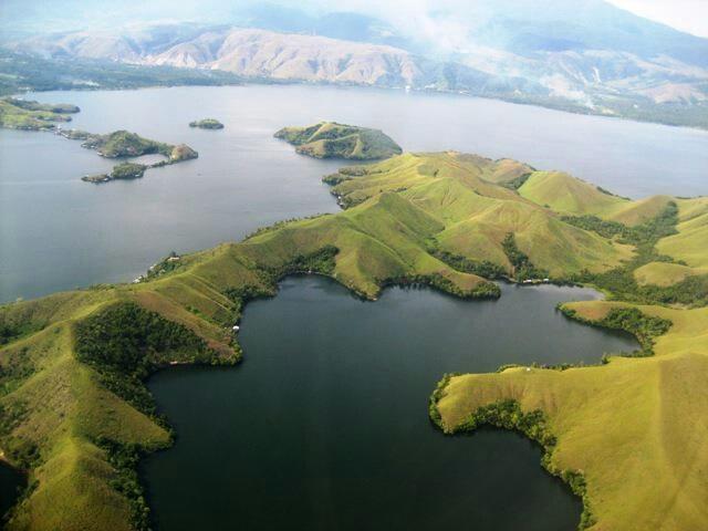 Danau Sentani beautifull isn't it?