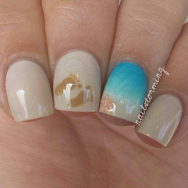 Beach nail art