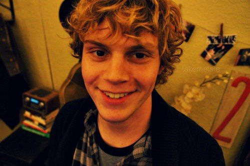 Evan Peters - Dunderpedia: The Office Wiki - Wikia