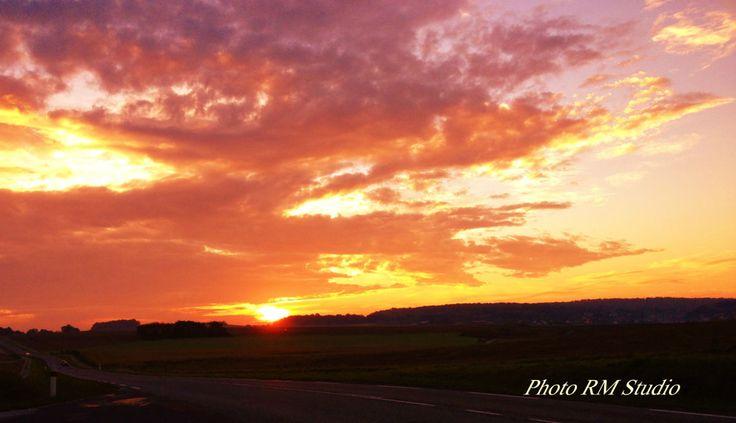 lever- de soleil sur Héricourt - Franche Comté - Photographie ©2016 par GrayWolf - Indian Héritage Arts -                                                                    Land Art, Réalisme, Nature, Paysage, nature, paysage, Héricourt, Franche Comté
