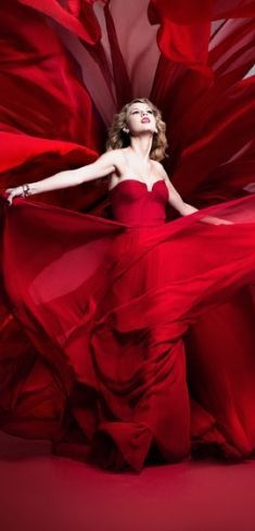 Her heart was swept away by waves of red. Waves of red that held the hope of our future. Ivet H. P. (c)
