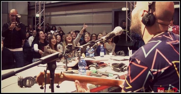 "Giuliano Sangiorgi (negramaro) e Lu Forum @ Radio 2 - 08/11/2012 - ""Oltre"""