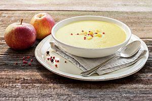 Bio-Rezept: Cremige Kokos-Apfel Suppe mit Rosa Pfeffer - RAPUNZEL NATURKOST