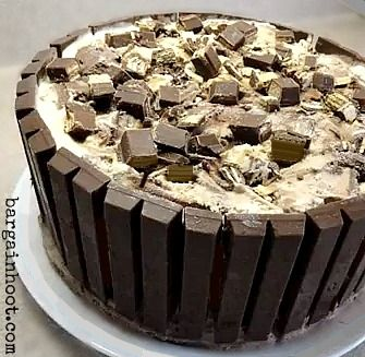 my mom made me a cake like this for me on my past birthday. it was the best birthday cake i've ever had! ice cream cake with a kit kat crust, mmm!