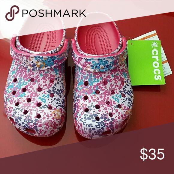 73c2625fe41a4 Crocs classic floral clog Crocs classic floral clog rappberry roomy fit  size 7 crocs Shoes Mules   Clogs