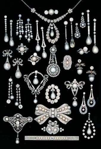 An Array of Late 19th/Early 20th Century Diamond & Pearl in Platinum Jewellery