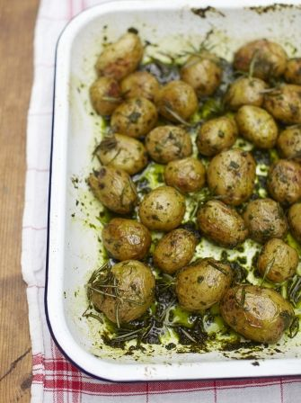 This recipe for roasted jersey royals & wild garlic from Jamie Oliver brings out and compliments the natural flavours of the potatoes with…