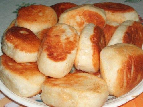 Рецепт быстрых жареных пирожков с курицей и сыром / Простые рецепты