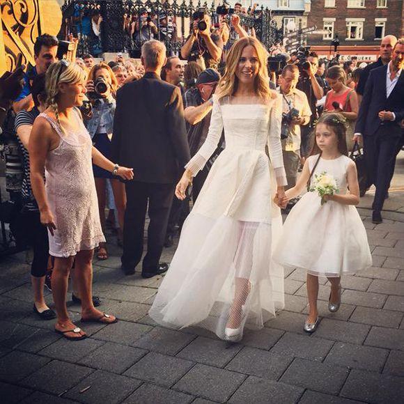 Julie Snyder a une heure de retard à son mariage avec Pierre Karl Péladeau   HollywoodPQ.com