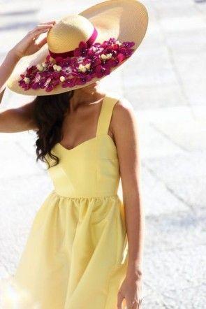comprar online sombrero de rafia natural con cinta de terciopelo y petalos de flores granate para boda evento fiesta coctel bautizo comunion graduacion de apparentia