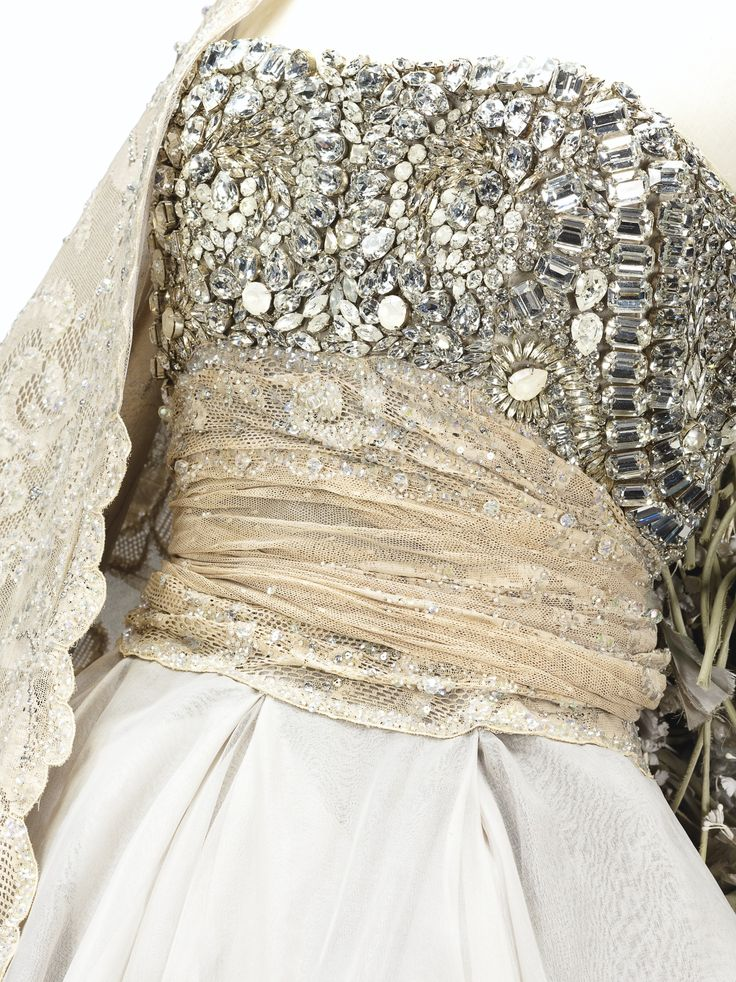 1000 images about the stylish past on pinterest jerry for Couture a valenciennes