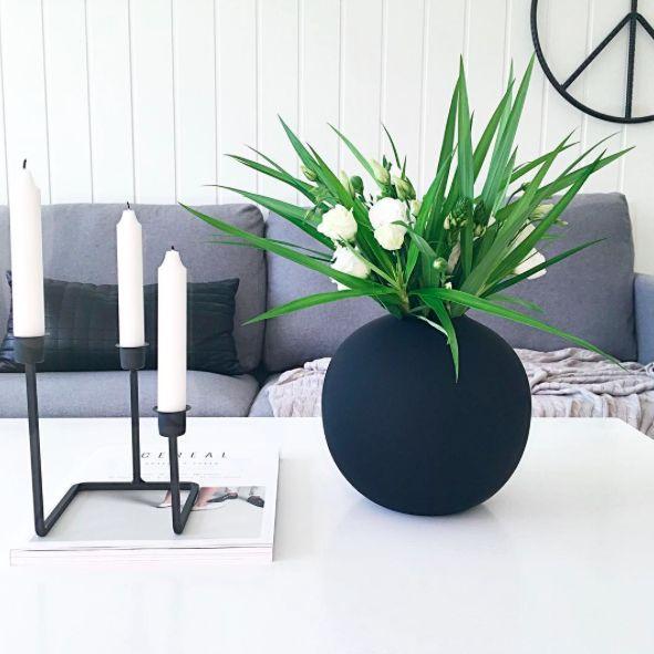 Instagram: @interiorbonanza + stue  + livingroom + vase + ballvase + cooee + sofa + grey + peace