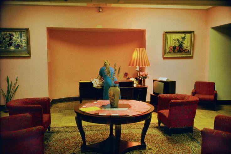 Harry Gruyaert : RUSSIA. Moscow. Ukraine hotel. 1989.