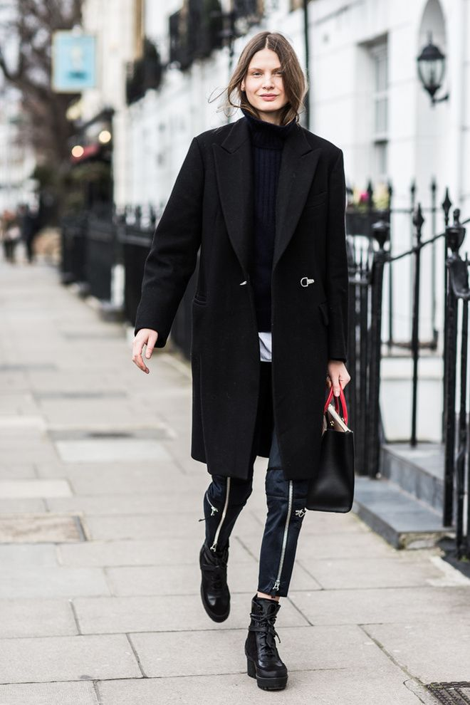 All black everything with a black leather pants an black boots. Londen Fashion Week.