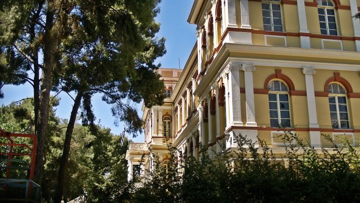 Papafeio Orphanage was completed in 1903 after the donation of Ioannis Papafis and the designs of Xenophon Paionidis. (Walking Thessaloniki, Route 14 - Papafi)