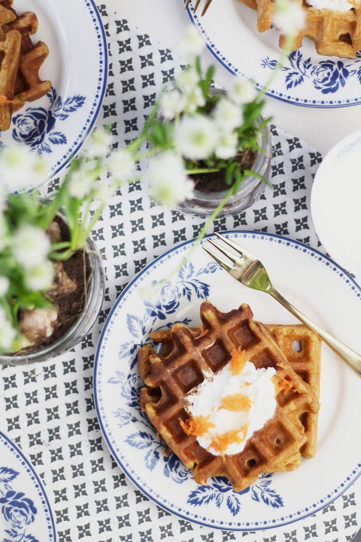 Osterfrühstück mit Greengate: Karottenwaffeln mit Frischkäse