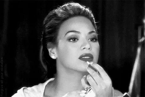 Usa el delineador de labios a tu favor y evita estos 5 errores de maquillaje