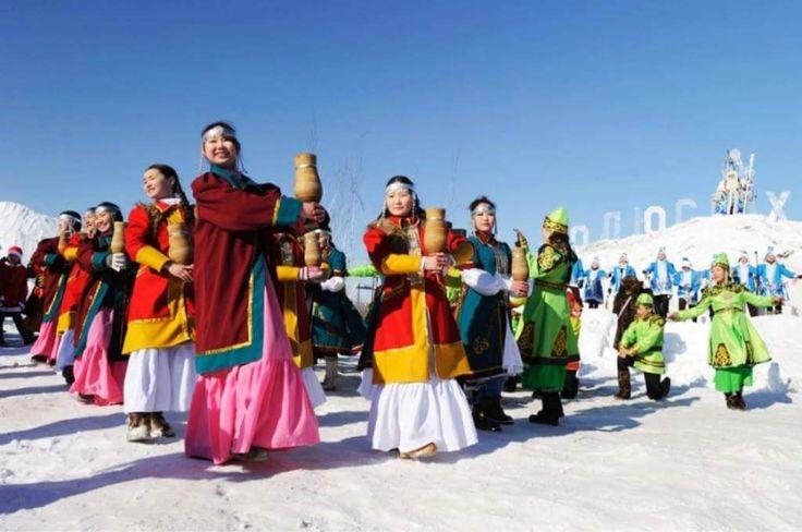 Yakutistan Oymyakon'da 23-25 Mart 2017 tarihlerinde yapılan Kar Şöleni'nde Ayaz Ata ve torunu Karkızı büyük ilgi görürken ren geyikleriyle yapılan yarışlar, ulusal giysi sunumları, geyik çobanları çok renkli insanın içini ısıtan görüntüler oluşturdular.
