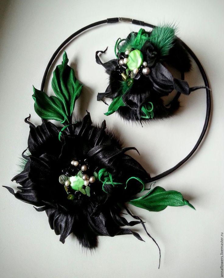 Купить Колье и браслет из кожи и меха норки в изумрудно - черном цвете - черный