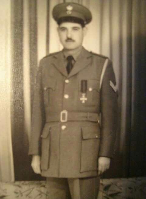 Φώτιος Ιωάννου Παπαδάκης γεννήθηκε το 1928 στο μεσοχωριο Ηρακλείου Κρήτης απεθανε στο Παλαιό Φάληρο πολεμιστής της μάχης της Κρήτης αντάρτης Ε. Ο. Κ. Του καπετάνιου Μανούσου Μπαντουβα, ενοματαρχης χωροφυλακης πολέμησε και στον συμμορειτοπολεμο ενάντια στους ανθελληνες κουμουνιστές σωματοφυλακας Μαρκεζίνη - Λαμπράκη - βασίλισσας φρειδερικης - Γεωργίου Παπαδόπουλου.