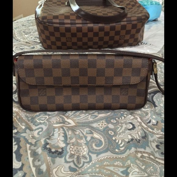 100% Auth Louis Vuitton Damier Ebene Recoleta bag 100% Authentic Louis Vuitton Damier Ebene Recoleta Bag has a Microfiber lining with an interior patch pocket. Alcantara Lined Interior Pockets: One open pocket Color: Brown Hardware Description: Gold Hardware Material: Damier Ebene Width: 10.4 in. Length: 2.8 in. Height: 4.7 in. Handle Drop: 10 in. Authenticity code: Louis Vuitton FL0024 Condition: Used - Very Gently Used (There are negligible stains on the interior. Overall the bag is in…