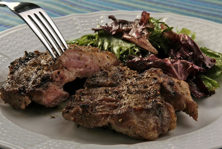 Grilled pork steaks with fennel