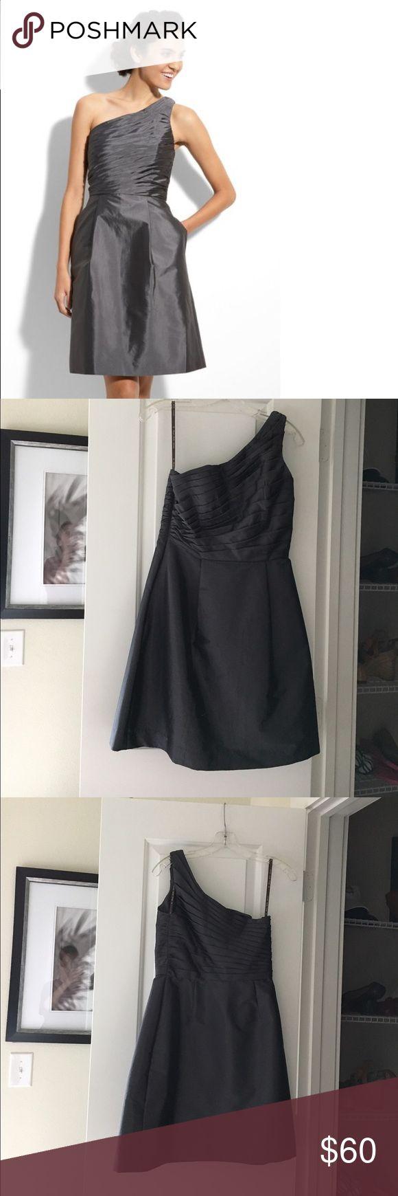 One shoulder A-line dress Monique lhullier dress worn only once! Great for weddings Monique Lhuillier Dresses One Shoulder