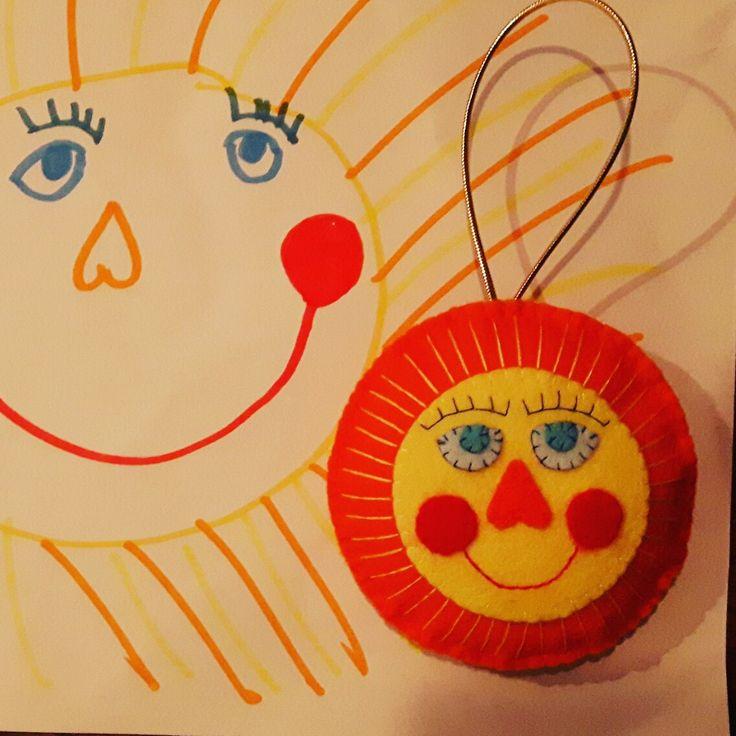 Tekening van dochterlief in vilt voor de juf #vilt #vrolijk #zon