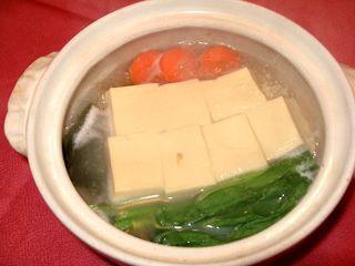 高野豆腐でつくる湯豆腐1
