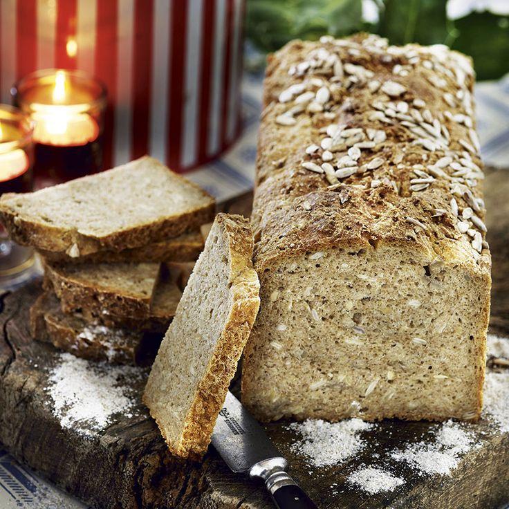 Lättbakat rågbröd med tuggmotstånd.