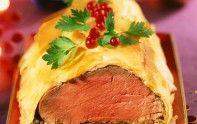 Le chef Cyril Lignac vous propose sa recette du bœuf en croûte. Un plat gourmand et croquant à savourer avec vos amis ou votre famille.