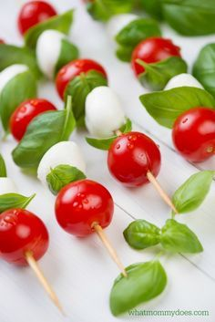 Caprese Kabobs - such an easy summer BBQ appetizer idea! I am ALL ABOUT cute picnic recipes! These skewers are always a crowd pleasing side dish for 4th of July, Memorial Day parties, Christmas, birthdays, etc. It's food that looks awesome but is actually simple to make. Follow this simple tip to keep the cost down.