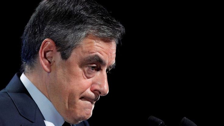 Fillon France election: Candidate faces crucial test in Paris rally - BBC News