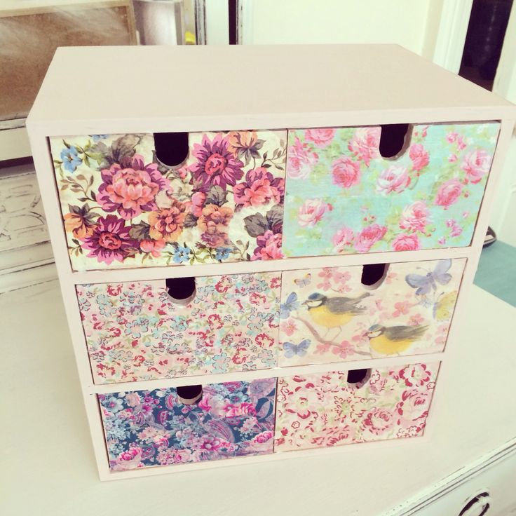 Decoupaged mini chest of drawers. Jewellery/trinket box. Used paper napkins for the drawer fronts.