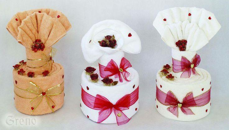 Torty z uterákov ideálnym darčekom na svadbu, narodeniny, výročie...