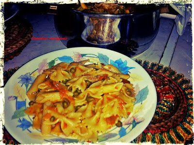 Ζυμαρικά με σάλτσα αρακά και καρότου