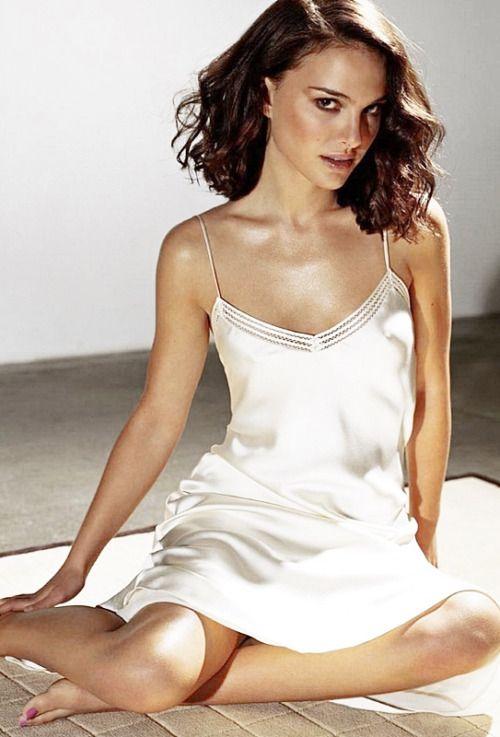 Natalie Portman photographed by Michael Thompson for Esquire UK (June 2002)