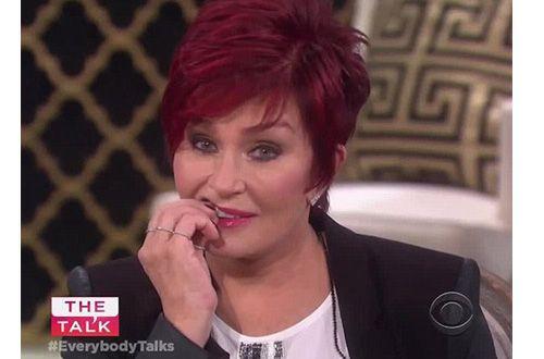 У Шэрон Осборн выпал зуб во время съемок шоу (+видео)