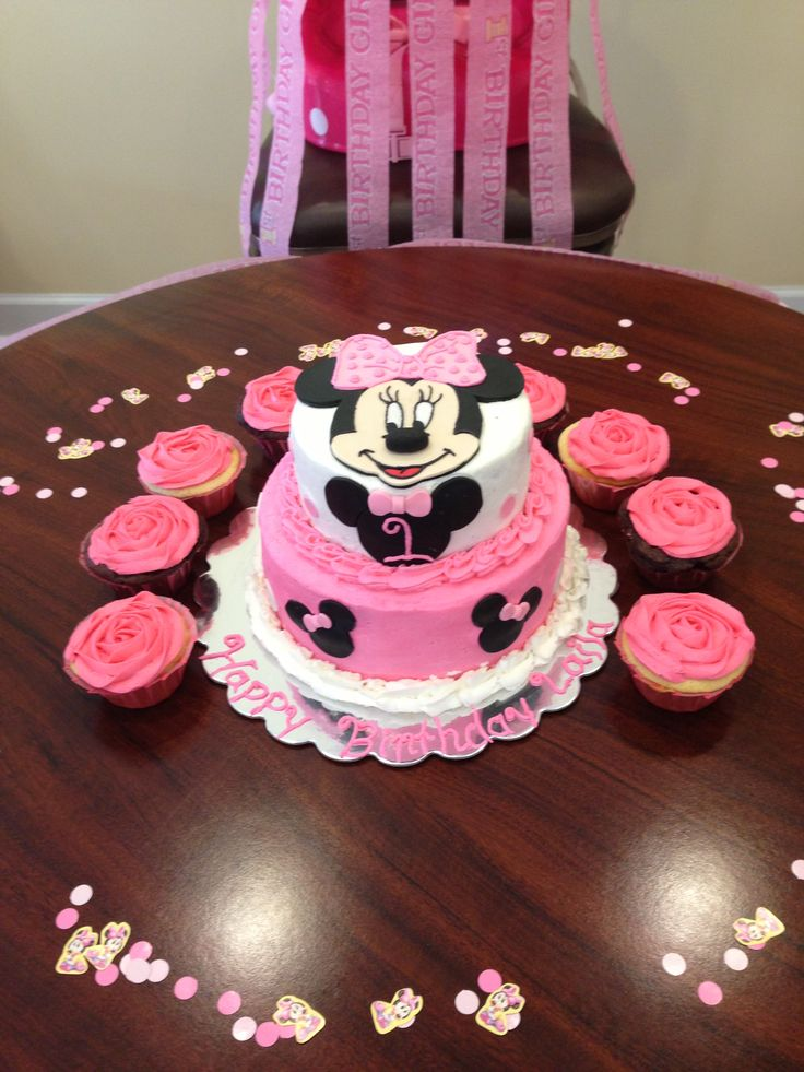 1st Birthday Minnie Mouse Cake And Cupcakes For Laila My Cakes Pinterest