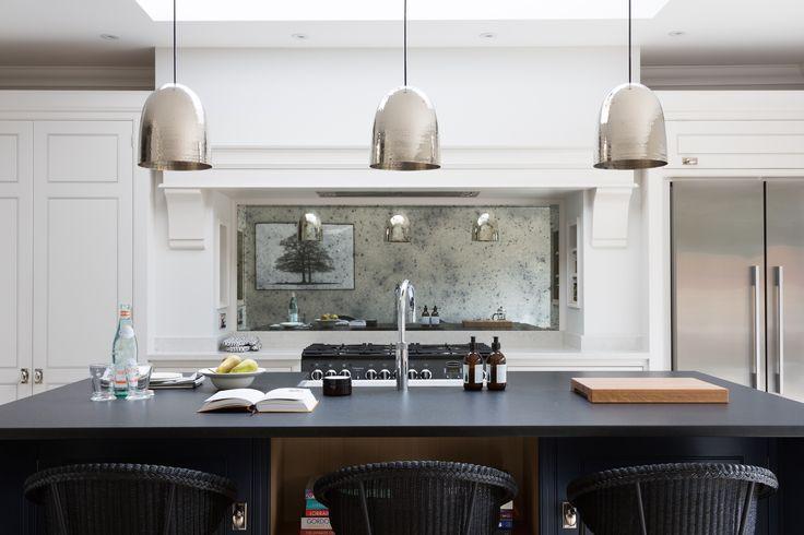 Contemporary Family Kitchen, Essex - Humphrey Munson Kitchens