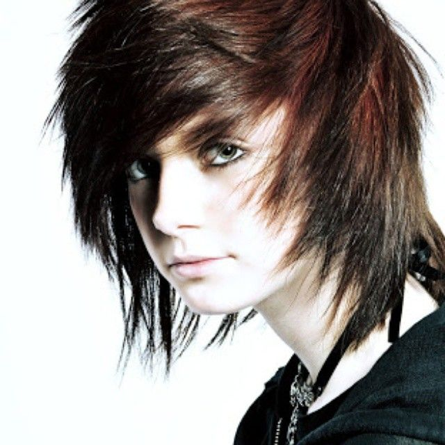 35 Fabulous Emo Hairstyles For Men Hairstyles Pinterest Emo