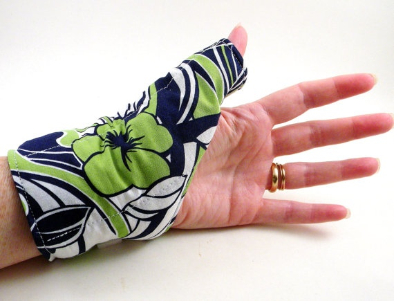 Thumb Wrist Heat Wrap for Knitters, Crochet, Texting, Typing - Hot Cold Pack, Relaxation Pad. $20.95, via Etsy.