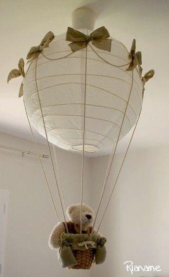 Créer un monde imaginaire avec des animaux en montgolfière, c'est facile ! Crédit photo : Pinterest/rianame.over-blog.com