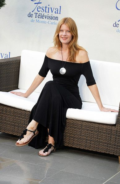 photos-michelle-stafford-young-and-the-restless-blonde-white