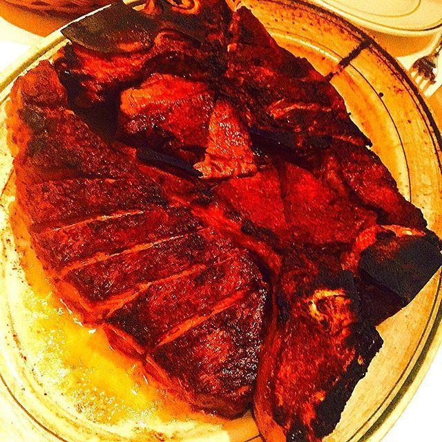久々ウルフギャング^o^ Dry-aged Prime T-bone Steak  ドライエイジング  Tボーン 4人前 デカ〜❤️ PRIME FILET MIGNON の方が好き 笑❤️ 病み上がりだけに少しだけ^o^  #Dryaged#Prime#Tbone#Steak#beef#tbonesteak #wolfgang#derisas #ロマネ#ロマネ食べ歩き#ホノルル#ハワイ#honolulu #USA#tokyo#丸の内#肉#熟成#熟成肉#美味#食べ過ぎ#ステーキ#masahirosaito#サイトウさんだぞ#primefiletmignon#病み上がり#la #ny