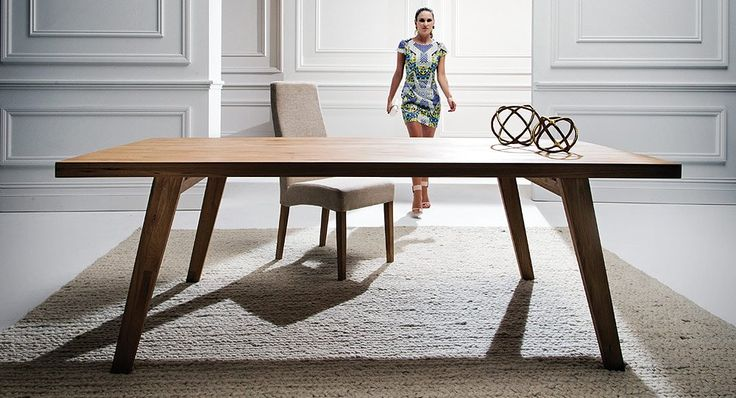 Kuiso dining table