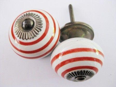 032 Kastknop met rode strepen 4 cm