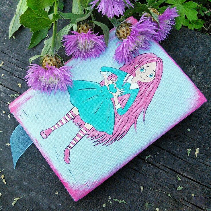 Маленькая красавица на обложке блокнота.)))#блокнот #ручнаяработа #записнаякнижка #book #notebook #handmade #beaty #art #запись #блокнотснуля #назаказ #подарок #идея #мечта #исполню