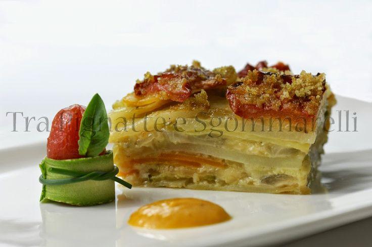 Millefoglie di verdure e mozzarella, con mollica di pane al basilico e accompagnata dalla sua stessa emulsione