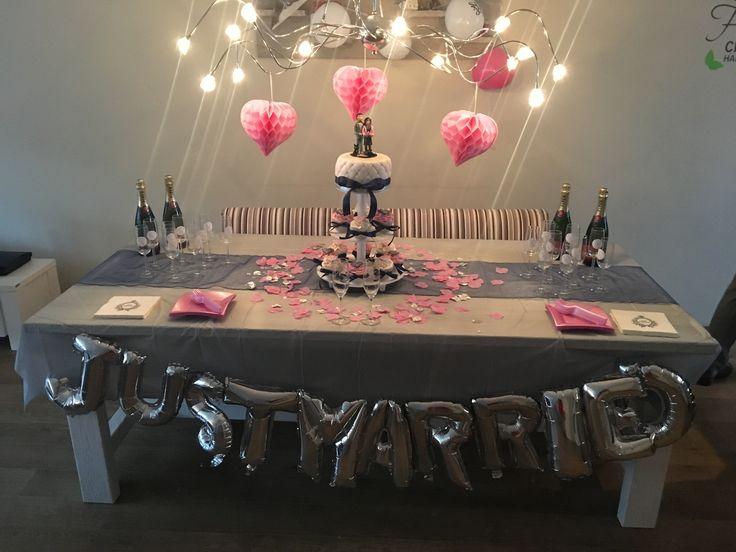 Weddingtable, weddingcake, weddingcupcakes.